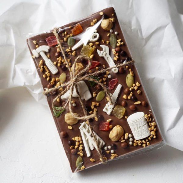 Плиточный шоколад молочный ручной работы